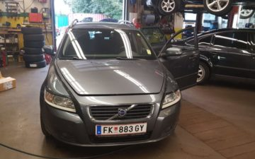 Volvo V50 (via Hermann)